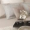 sypialnia glamour tapeta nad łóżkiem sypialnia w beżach