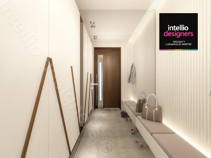 Luksusowe wnętrza - przedpokój z szafą i siedziskiem