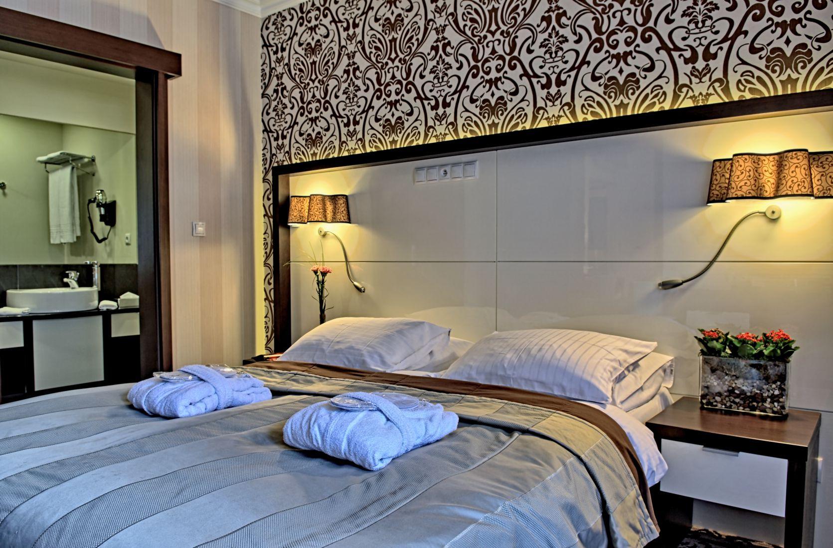 Hotel Czarny Potok posiada 236 przestronnych i klimatyzowanych pokoi z widokiem na potok