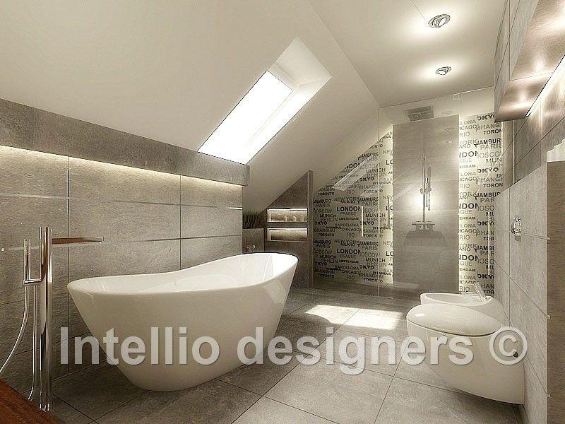Łazienka z wanną i prysznicem na poddaszu