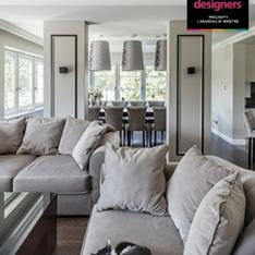 Salon wypoczynkowy, komfortowe meble duża sofa projekt Agnieszka Liniewska-Baran