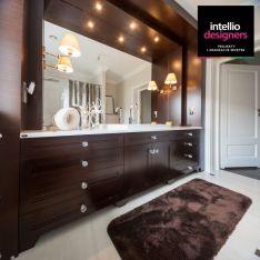 Łazienka szafka łazienkowa uchwyty kryształowe swarovski. Ekskluzywna łazienka w rezydencji pod Rzeszowem