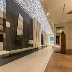 Płytki wielkoformatowe i wnętrza Prestige Room w Krakowie w salonie Max-Fliz.